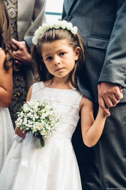 Fotos de casamento, Bendita Fotografia, Vestido de Noiva, mini wedding, noiva, casamento em casa,  noiva, cerimonia de dia, dama de honra