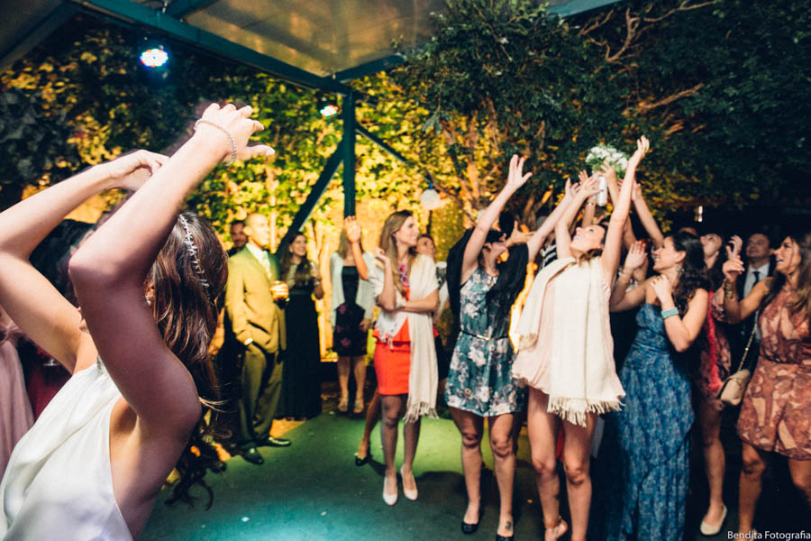Fotos de casamento, Bendita Fotografia, Vestido de Noiva, mini wedding, noiva, casamento em casa,  noiva, festa de casamento, festa judaica, buque, bouquet