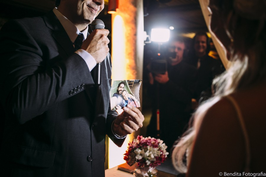 casamento, julliana e fernando, restaurante bananeira, casamento em restaurante, decoracao casamento restaurante, decoracao casamento, decor casamento, mini wedding, wedding, making of de noiva, bendita fotografia, nanda ferreira, casamento de noite, casamento a noite
