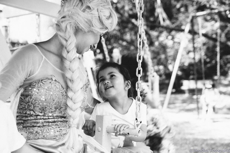 foto de aniversário infantil aniversário de menina, decoração de frozen